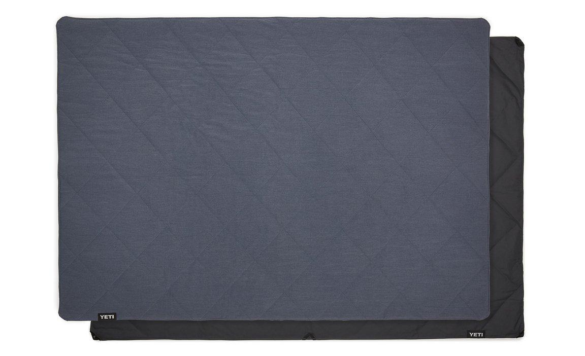 180567-Lowlands-Blanket-Website-Assets-Studio-Lowlands-Blue-Full-Laid-Out-on-Blanket-Back-1680x1024-1586233180767