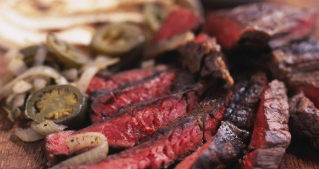 Summer Grilling: Charcoal vs. Gas Barbeques
