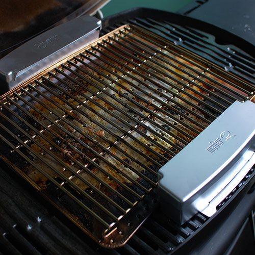 weber q smoker box set heat grill. Black Bedroom Furniture Sets. Home Design Ideas