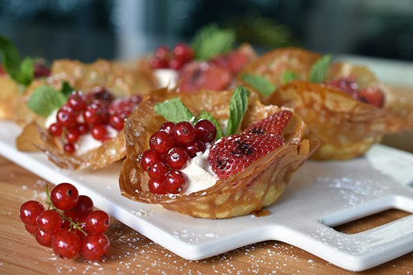 Grilled Strawberry Brandy Snap Baskets with Cinnamon Spiced Cream