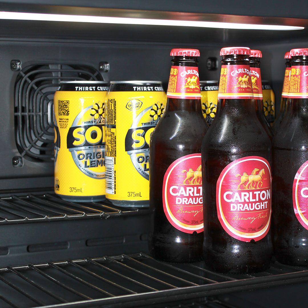 Cold-Beer-Subzero-Bar-Fridge_(6)