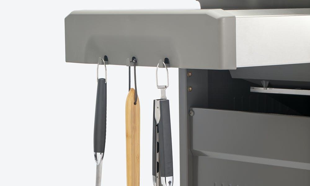 E315_Tool_Hooks_Closed_Cart