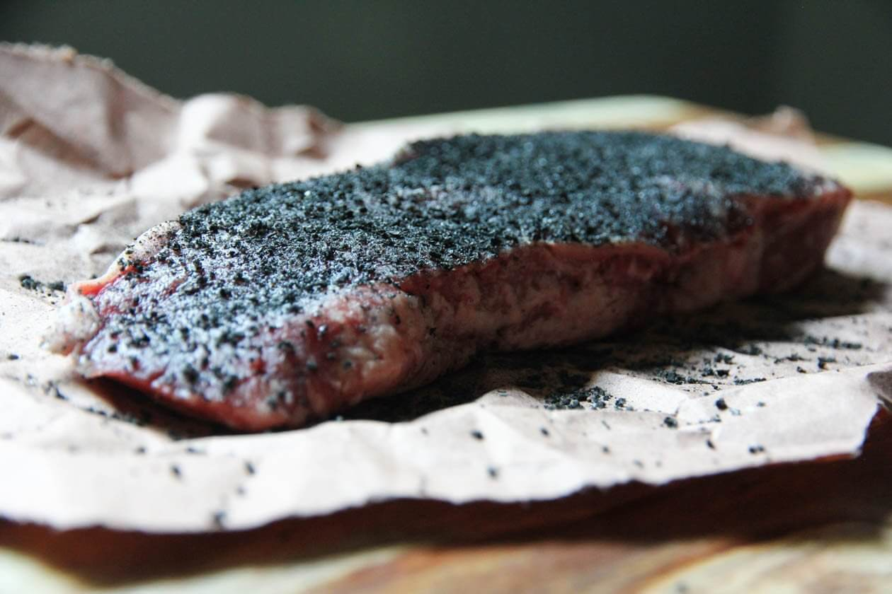 hardcore-carnivore-black-charcoal-rub-68_2000x