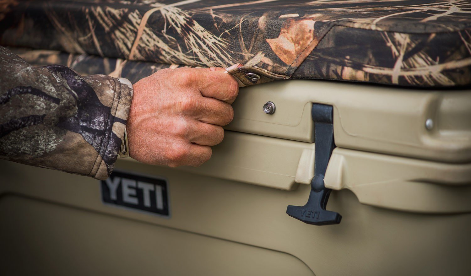yeti-seatcushion-camo-2-1501246822430